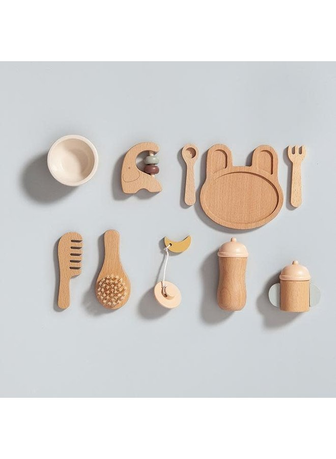 Wooden baby feeding set