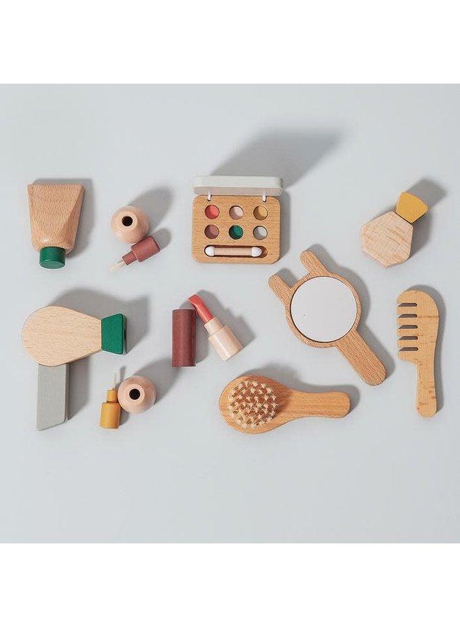 Wooden make up set