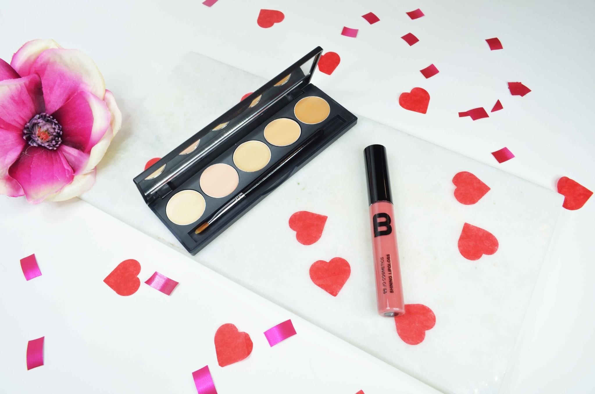 Top-10-Valentijn-cadeautips-voor-jezelf-make-up.jpg