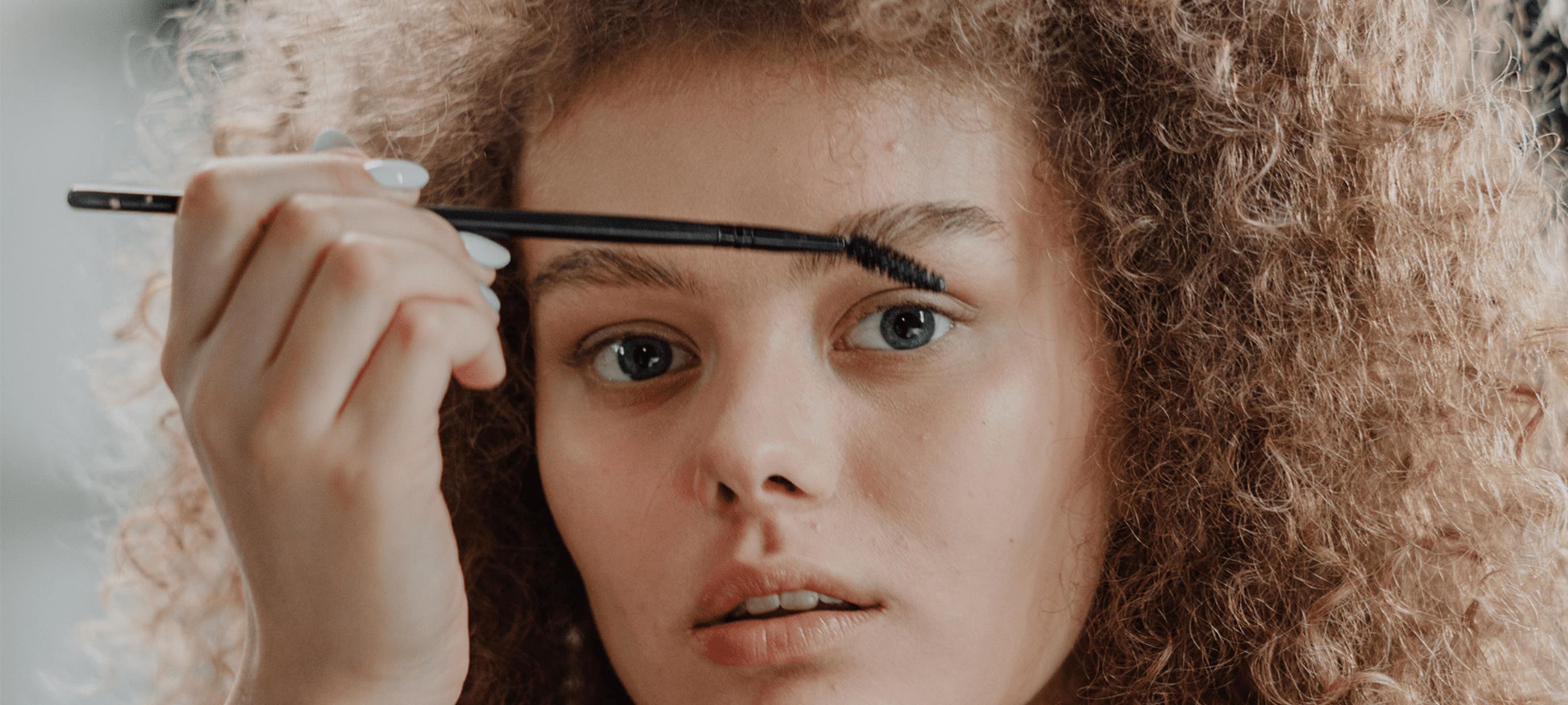 How to use: De Eyebrow Corrector