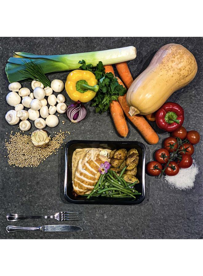 Saltimbocca van kip in champignonsaus met groenten en ovengegrilde krieltjes