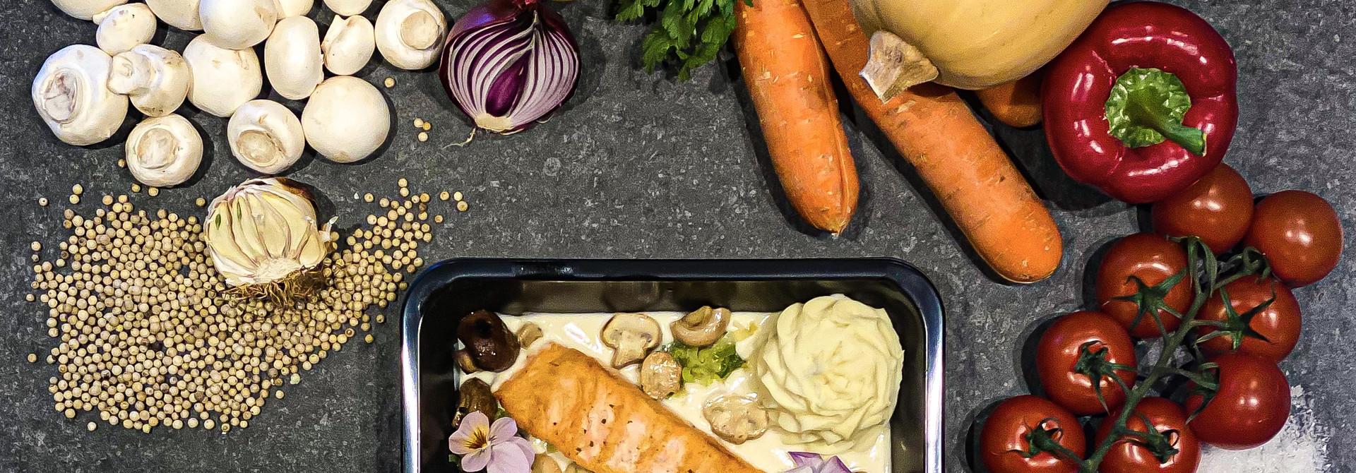 Zalm in nantuasaus met groenten en puree