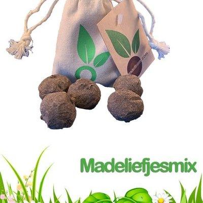 Zaadbom Zaadbom: 5 zaadbommen in een zakje: Madeliefjesmix
