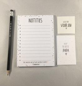 Miek in vorm Miek in vorm: Kadootje voor papa / notitieboekje + potlood + minikaartje + stickertje in een cellofaanzakje
