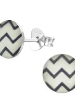 Precious jewels Precious jewels: oorstekers zig zag zwart wit
