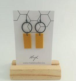 made by ellen Made by ellen: oorbellen geel leder en zwart 225
