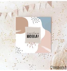 Miek in vorm Miek in vorm: dubbele kaart met envelop  Hieperdepiep Hoera!