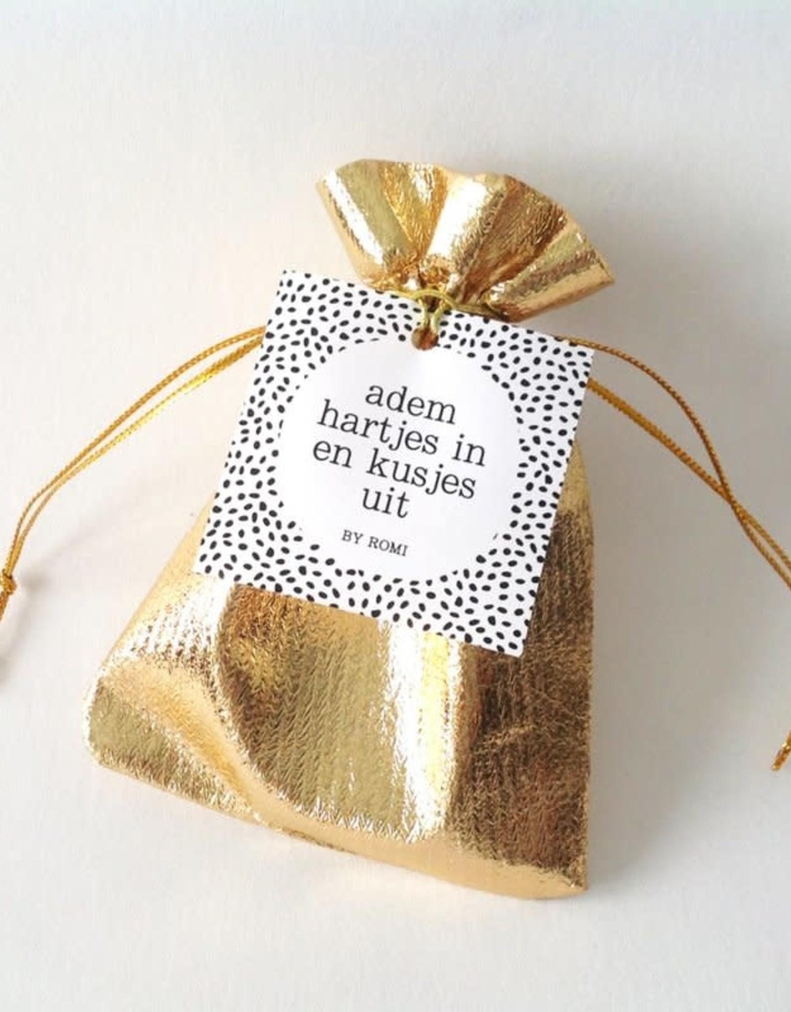 By romi by romi: cadeauzakje met hart (knuffelsteen) goud