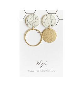 made by ellen Made by ellen oorbellen  marmer asymmetrische cirkels mat goudkleurig