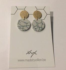 made by ellen Made by ellen oorbellen  marmer cirkels mat goudkleurige stekers