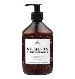 the gift label the gift label handzeep No selfies in the bathroom 20/21