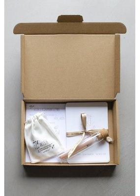 Kop op! Kop op! Happy Things Inside Box