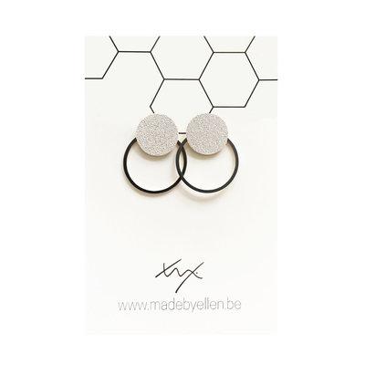 Made by ellen Made by Ellen oorbellen  steker mat zilver met ring zwart