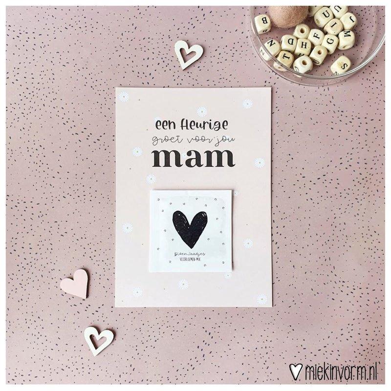 Miek in vorm Miek in vorm Ansichtkaart + zakje bloemzaadjes || Een fleurige groet voor jou mam