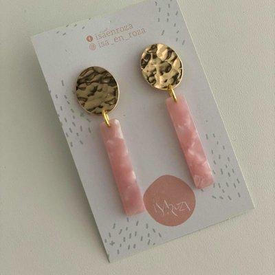 Isa en Roza Isa en Roza  oorbellen oorbellen goud en lichtroze