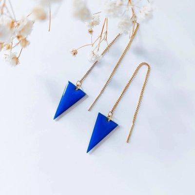 Isa en Roza Isa en Roza oorbellen doortrekkers blauw
