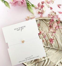 Stationery & gift Stationery & gift armbandje wit met een gouden hart