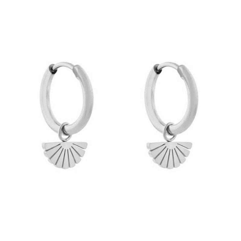 Essentialistics Essentialistics oorbellen minimalistic waaier zilver