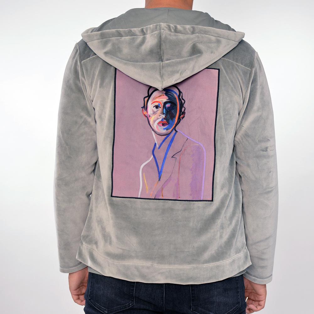 Limitato vest grijs met capuchon , velvet look, print op rug, limited edition