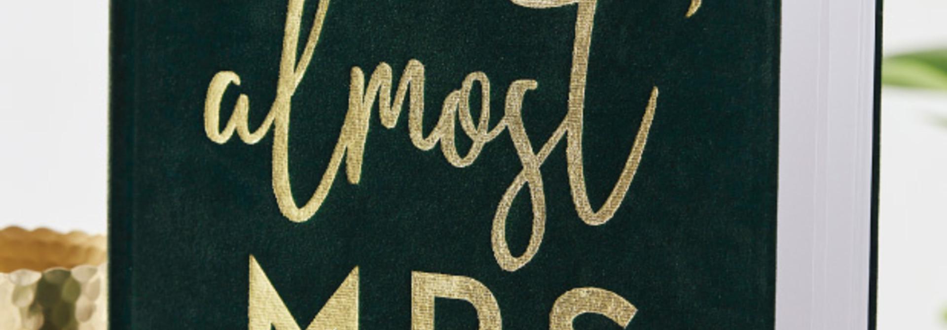 Gastenboek Velvet Groen Botanical Hen Ginger Ray