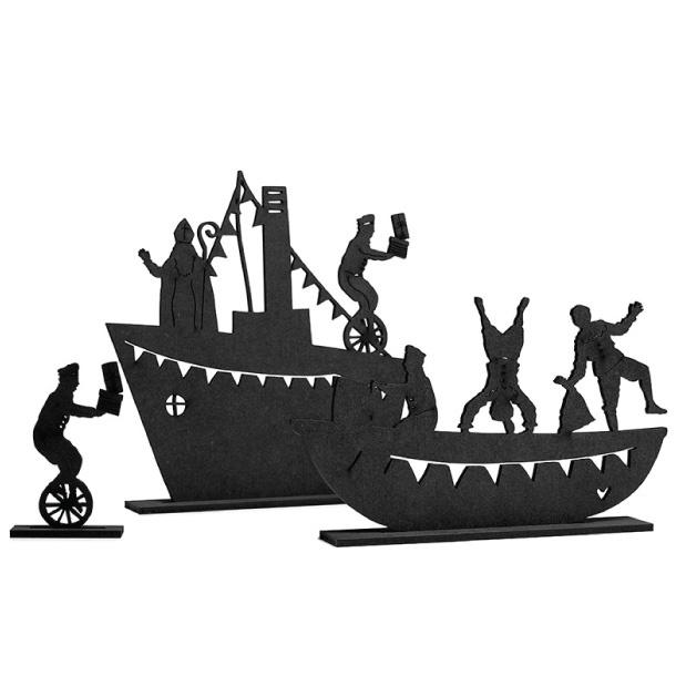 Stoomboot met sint en piet-1