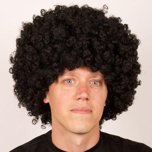 TOPPER Afro pruik zwart DOOS 57