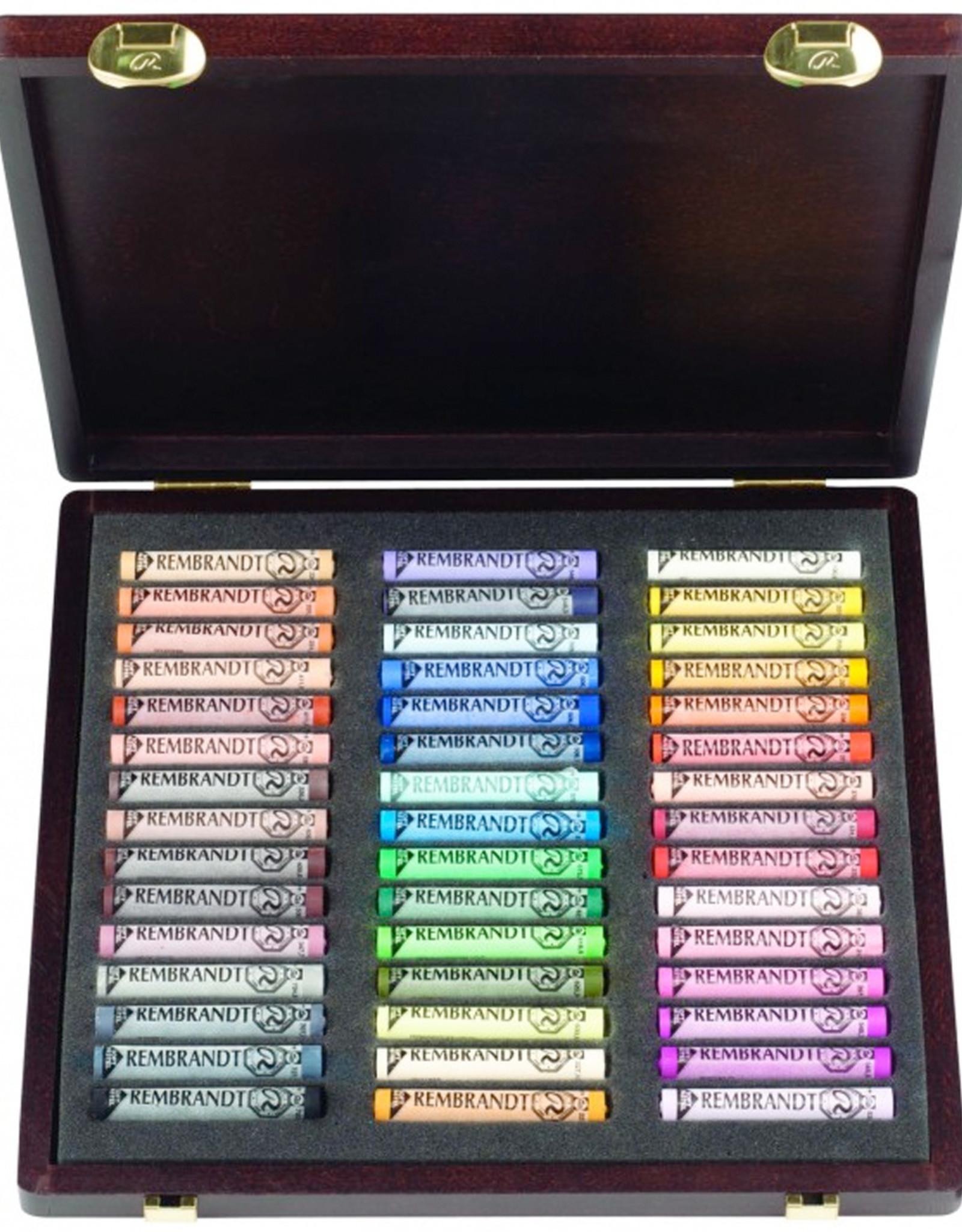 Talens Pastelkrijt Talens Rembrandt topkwaliteitpakket. 60 pastels en 60 halve pastels in stevige zwarte kartonnen doos.