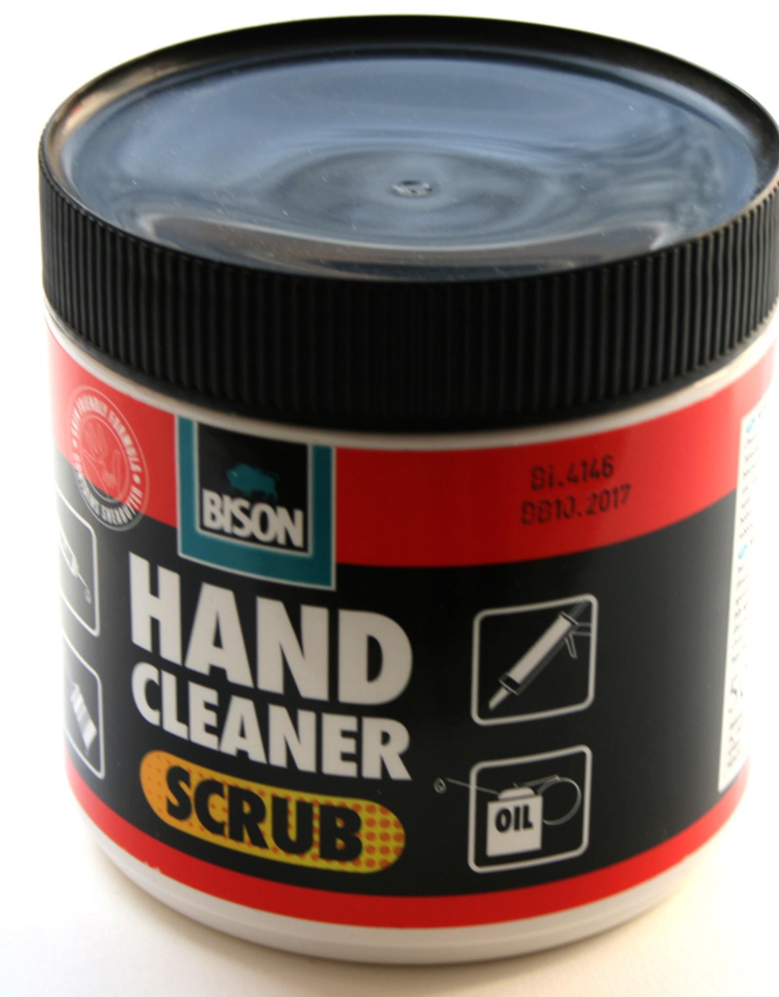 Bison Bekende garagezeep die de zwartste en vetste vlekken uit je handen wast terwijl het vriendelijk is voor de huid. Garage Zeep/ Hand Cleaner Scrub Bison 400 ml Cremekleurig met fijne korrel