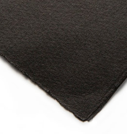 St. Cuthbers Mill 5 vel Etspapier Licht Gelijmd, Somerset Black, oppervlak Velvet, 280 grs 56x76 cm Velijn. Drie schepranden. Verzonden in ruime teckeldoos