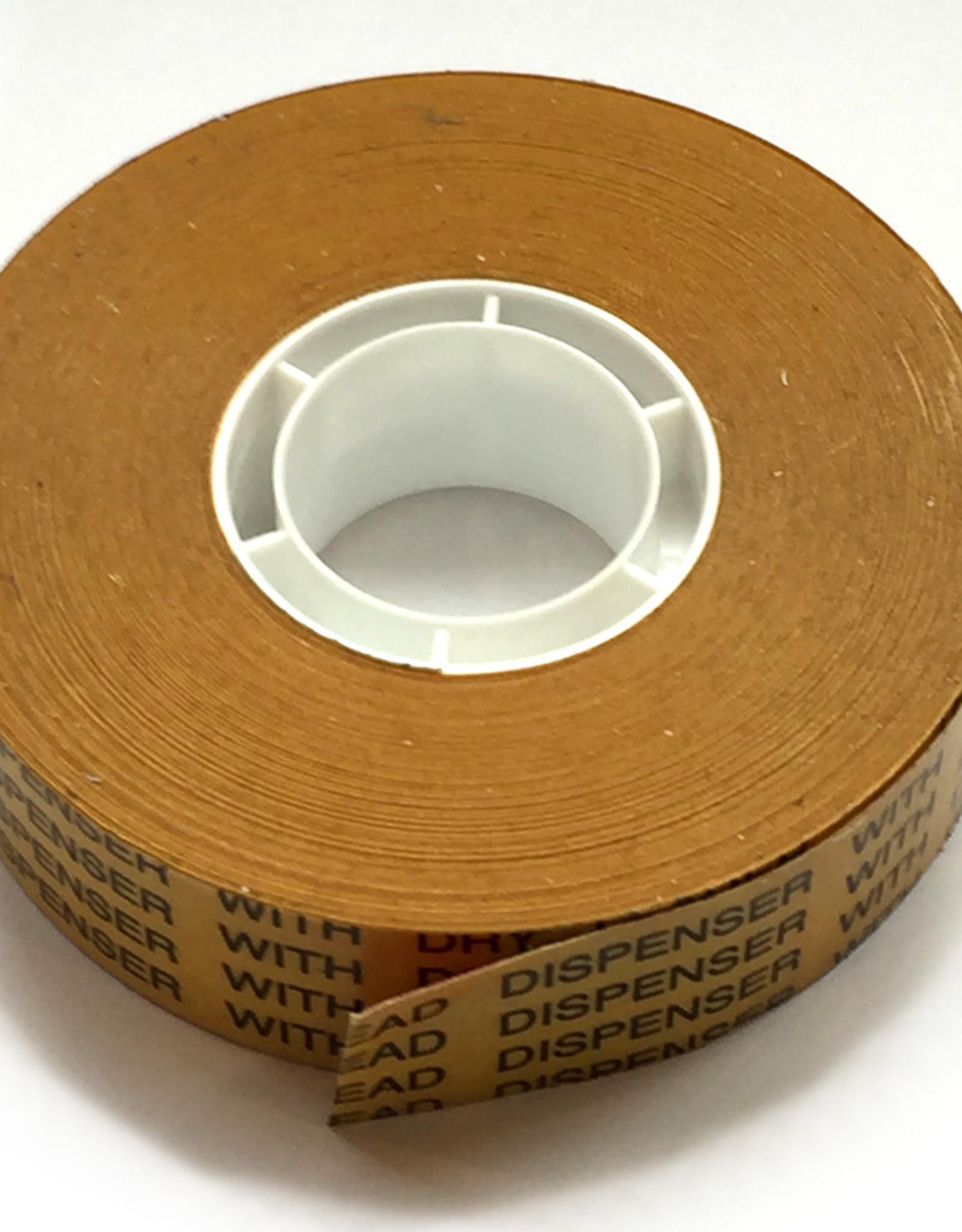 Deze tape past in de bijbehorende dispenser en maakt het aanbrengen van dubbelzijdig dispensertape van 19mm x 33 meter een stuk gemakkelijker