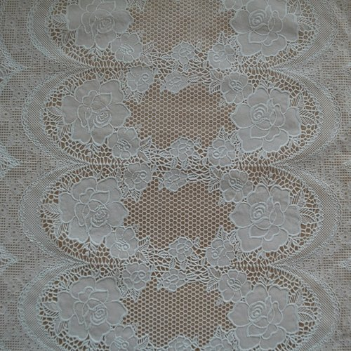 Table runner Lace white