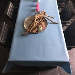 Gecoat tafellinnen licht blauw