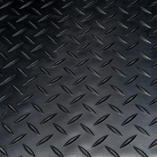 Rubber vloermat Traanplaat  zwart 3mm dikte op rol