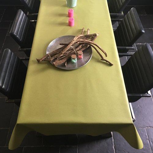 Beschichtete Tischwäsche grün