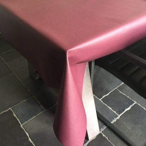 Coated Table linen wine red