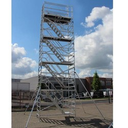 Echafaudage d'escaliers 135 x 250 hauteur travail 14 m
