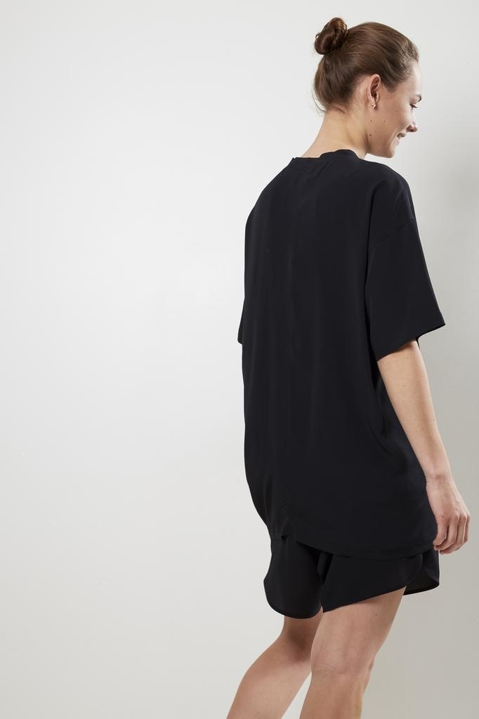 Monique van Heist - LOL mini shortsleeve silk t-shirt