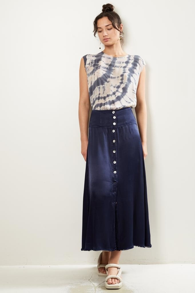 Raquel Allegra pebble satin button front skirt