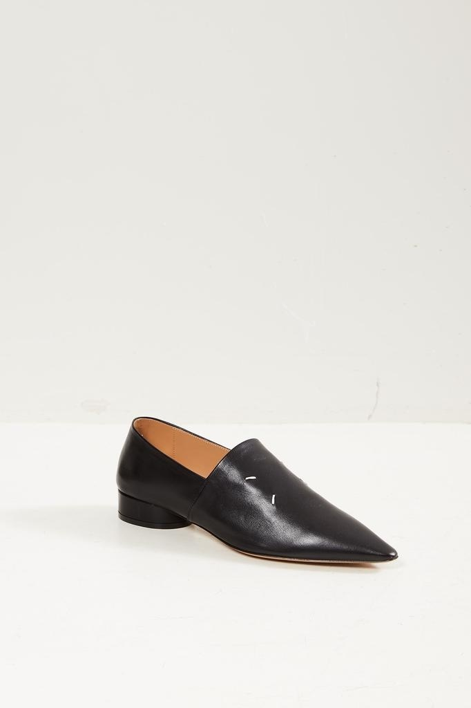 Maison Margiela Pointed toe loafers.