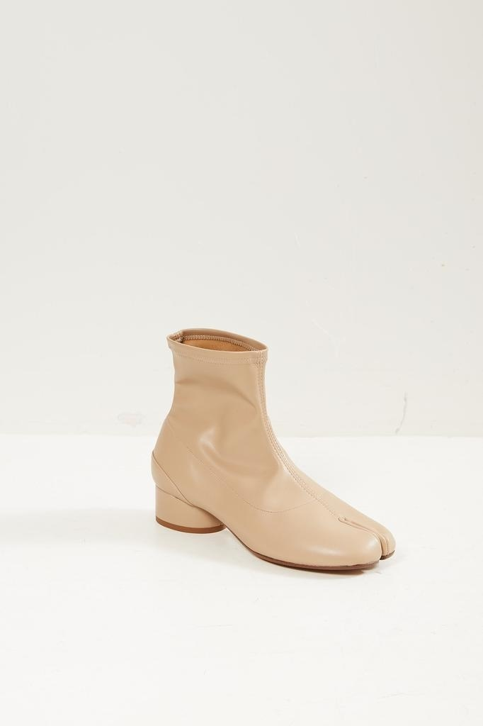 Maison Margiela Tabi 35mm ankle boot.