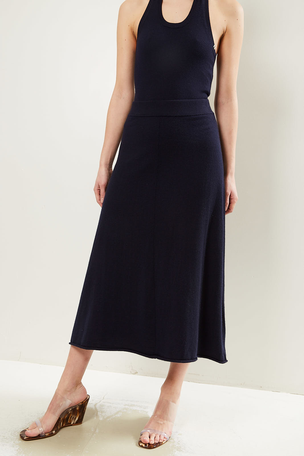 extreme cashmere Midi cashmere skirt navy