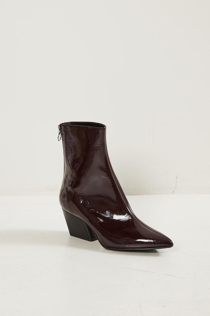 Aeyde Aeyde pointed patent ankle boots