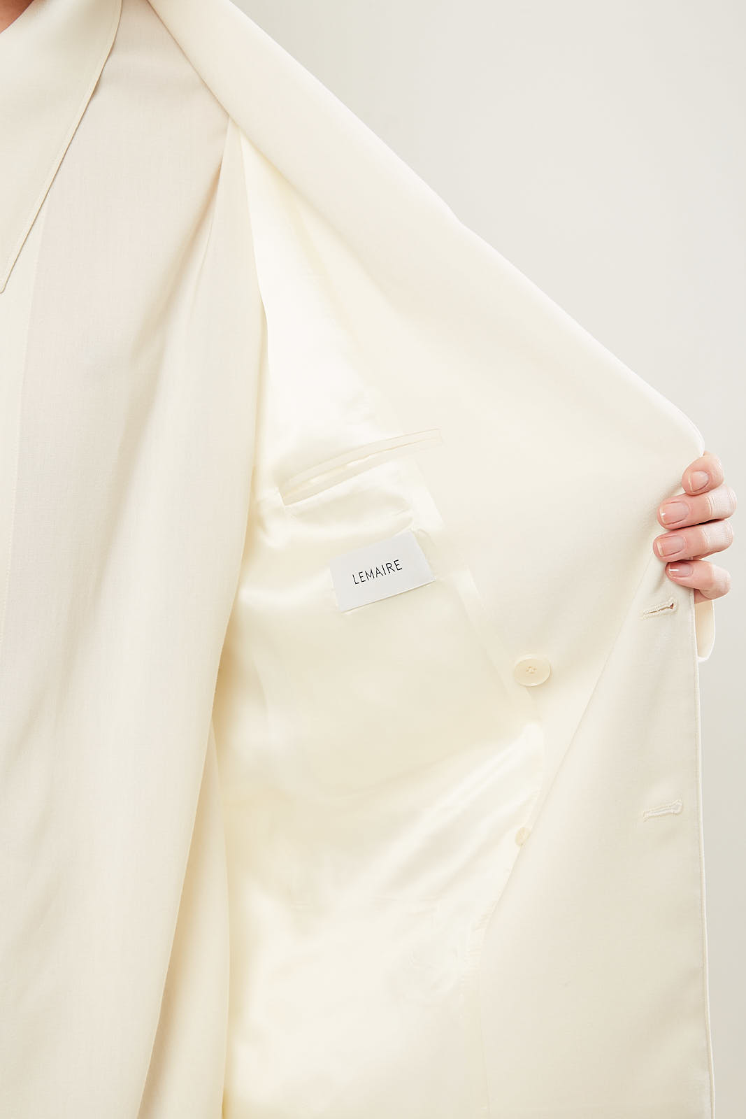 Lemaire - Double breasted jacket 222 almond milk