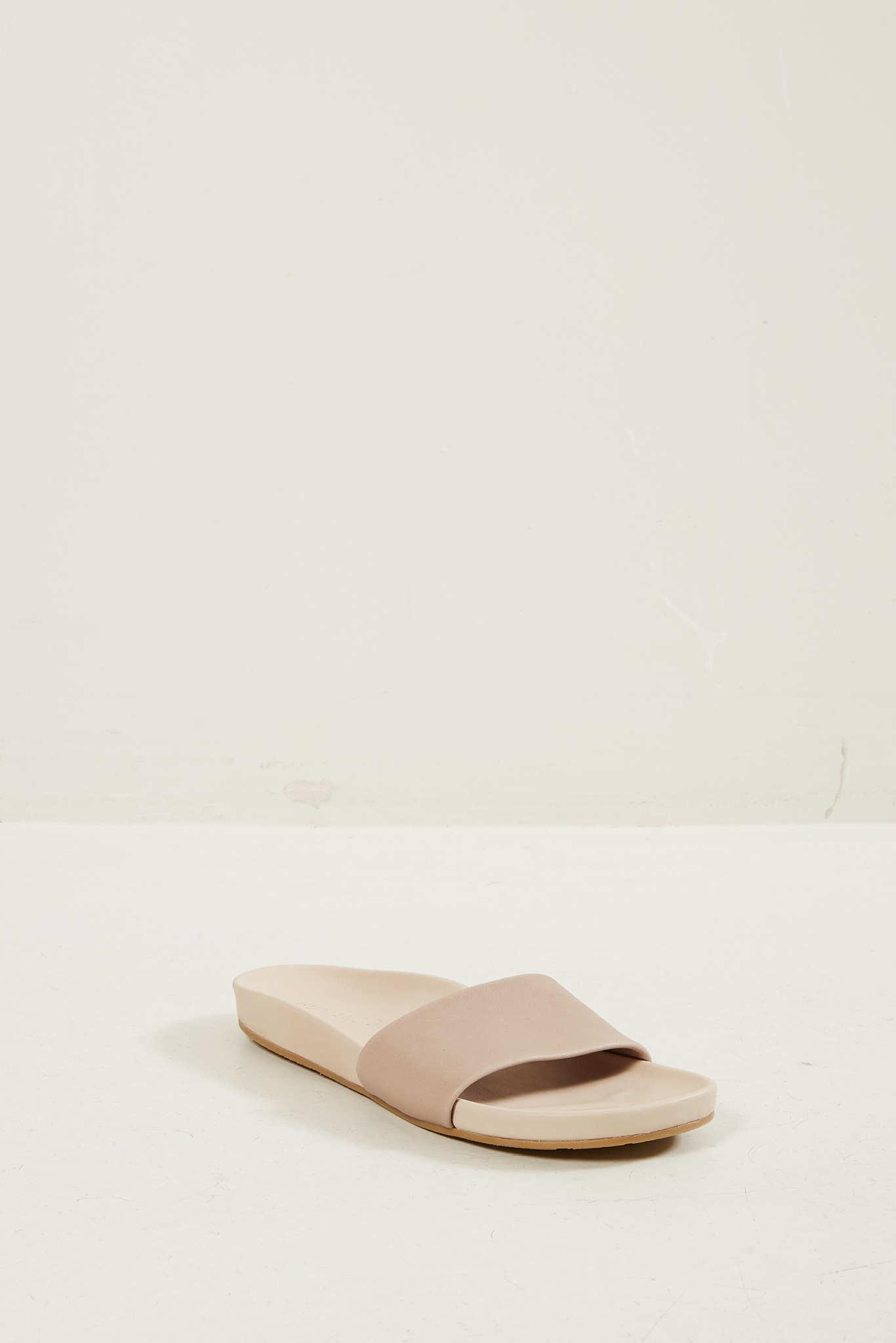 Humanoid Suus sandal hazel