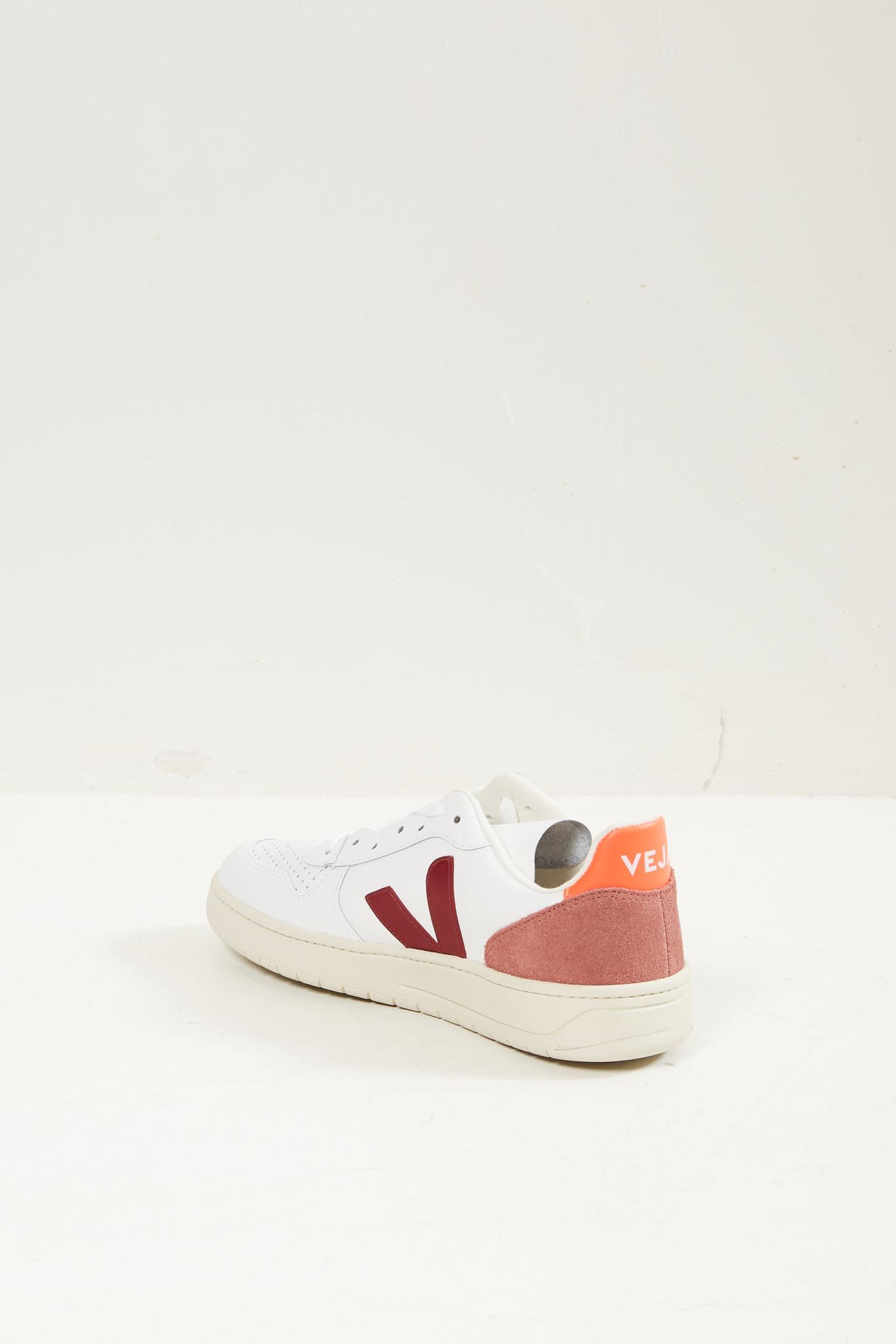 Veja - V10 leather sneakers