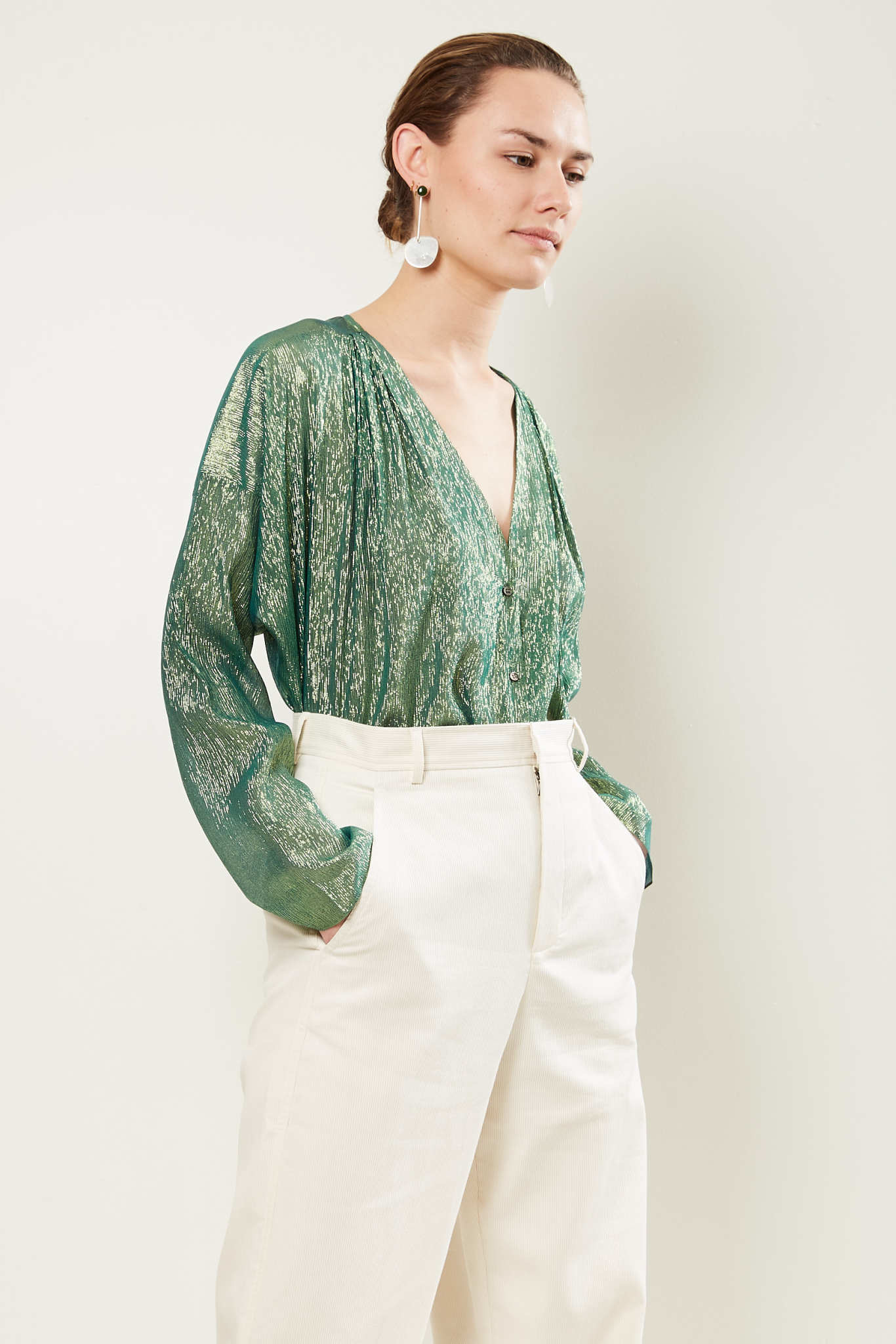 inDRESS Sparkling v-neck blouse