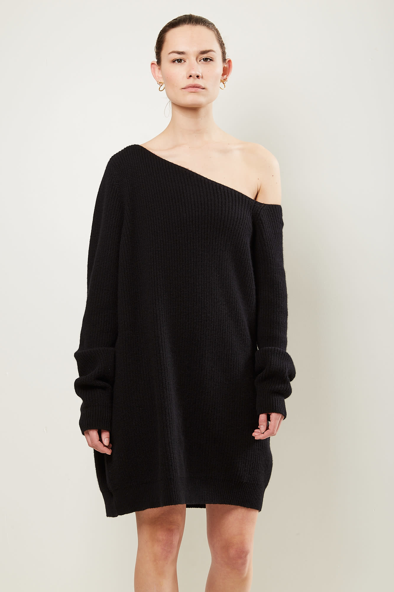 Gauge81 Isa short off shoulder sweater