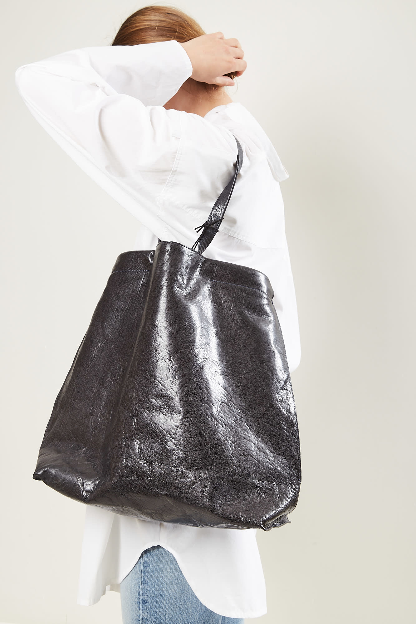 Bea Mombaers - Shopper black