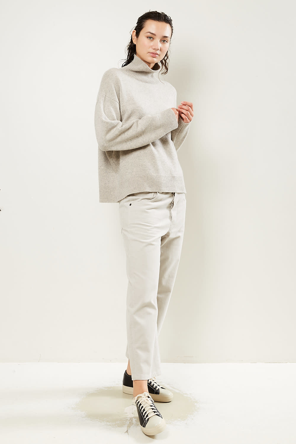Sofie d'Hoore Moore finest cashmere turtleneck sweater