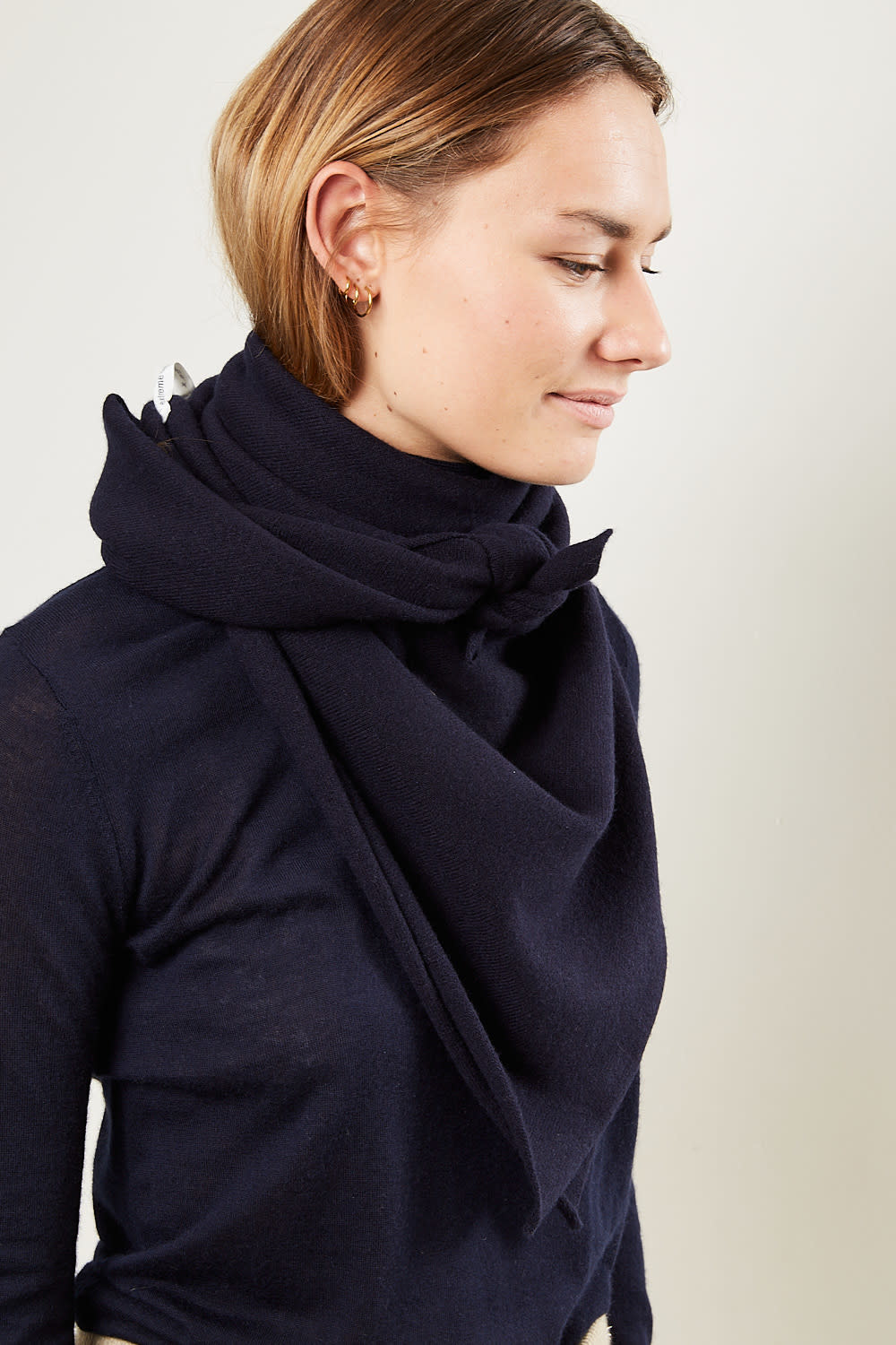 extreme cashmere - No111 carre square scarf navy